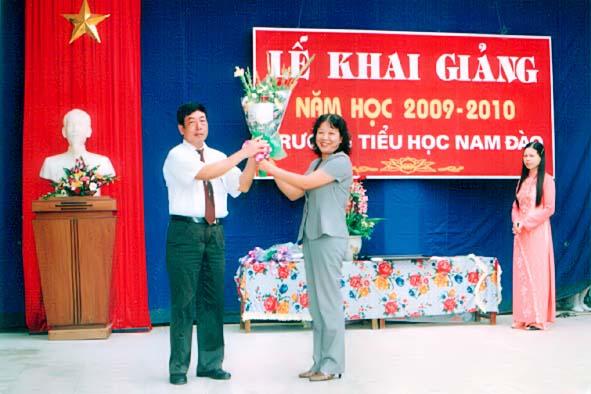 Một số hình ảnh Lễ khai giảng năm học mới 2009 – 2012